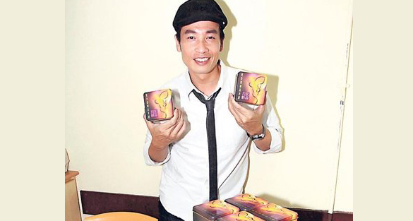 Moses Chan and fans celebrating Mid-autumn festival with underprivileged families