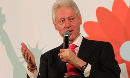 "President Bill Clinton to Be Honored as 2013 ""Father of the Year"""
