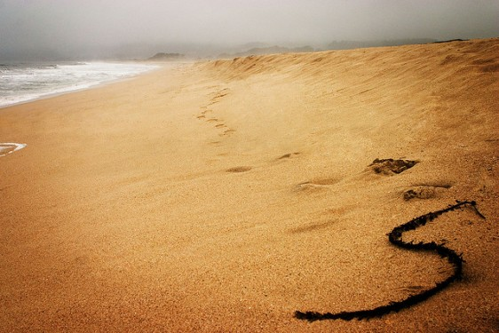 用沙製造勁量鋰電 成本低又環保