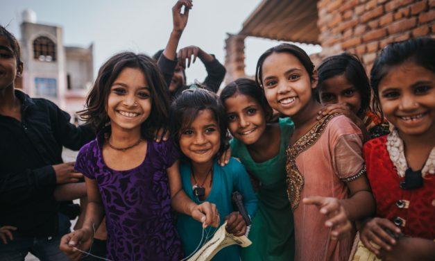 香港 – 香港兒童權利委員會特別於世界兒童日啟動『守護兒童約章』I 11月 20日
